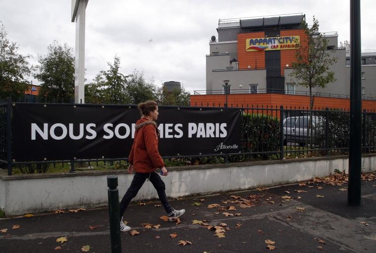 Image: Hotel in suburban Paris