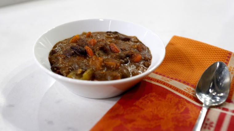 Tamron's Tuesday Trend: Nutrition expert Frances Largeman-Roth adds cinnamon to chili