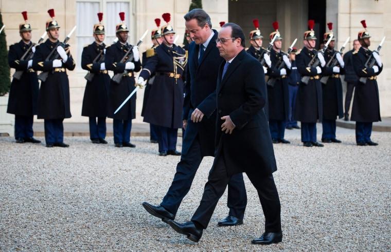 Image: French president Francois Hollande (R) and British Prime Minister David Cameron