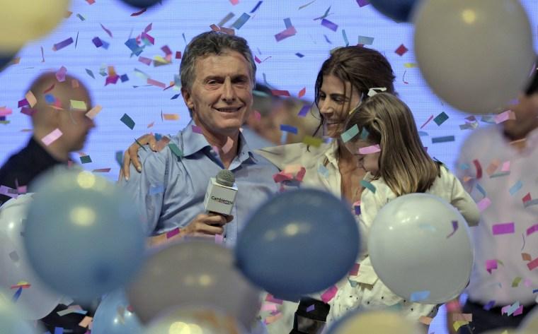 Image: TOPSHOTS-ARGENTINA-ELECTION-RUNOFF-MACRI