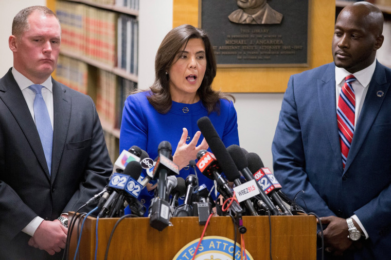 Image: Cook County State's Attorney Anita Alvarez speaks to the media