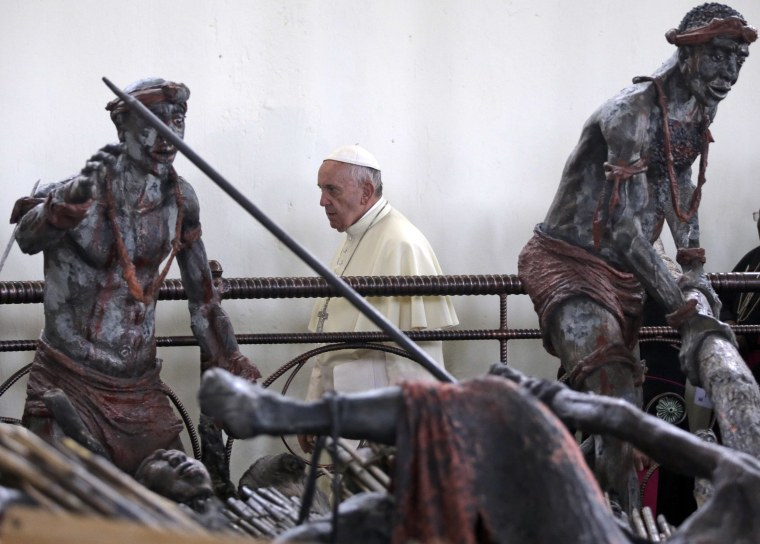 Image: Pope Francis visits the Anglican martyrs' shrine of Namugongo, Kampala