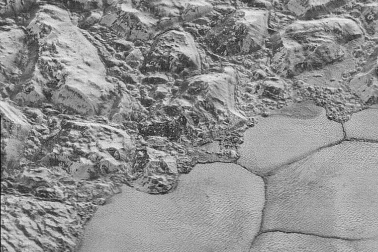 The shoreline of Sputnik Planum.