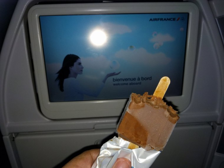 Image: Ice cream given to Air France passengers