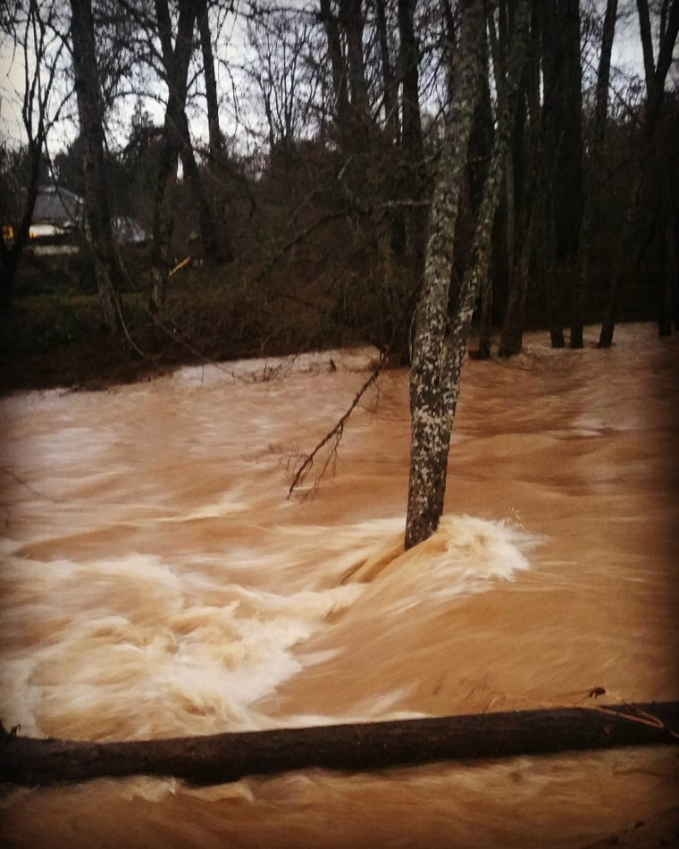 Image: High water levels in Dallas, Oregon
