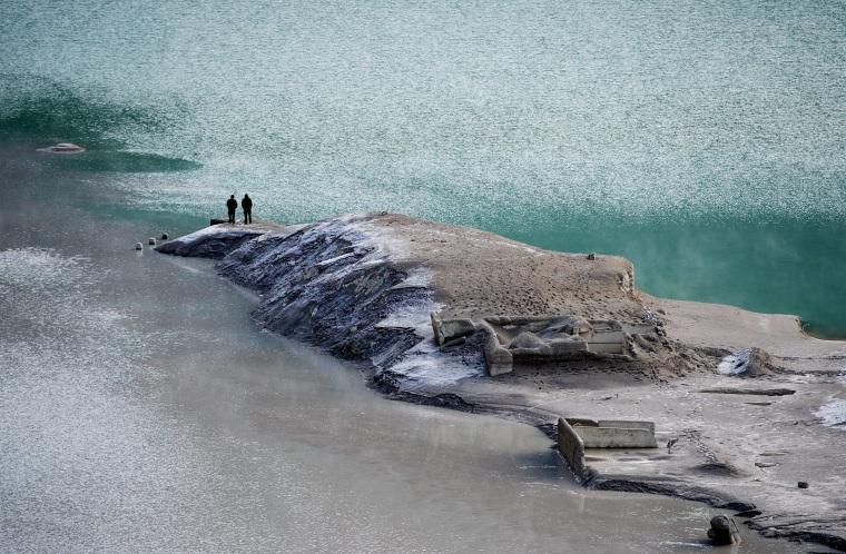 Image: Village resurfaces from the Sylvenstein water reservoir