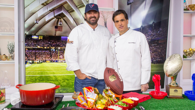 Bryan Caswell and Steve Fillippo go head-to-head in a tailgating food showdown with New England clam chowder, lobster and spinach dip, chili con carne, and Frito pie