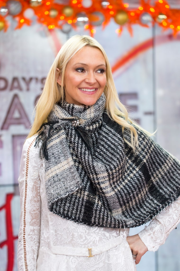 Zanna Roberts Rassi demonstrates four ways to tie a scarf