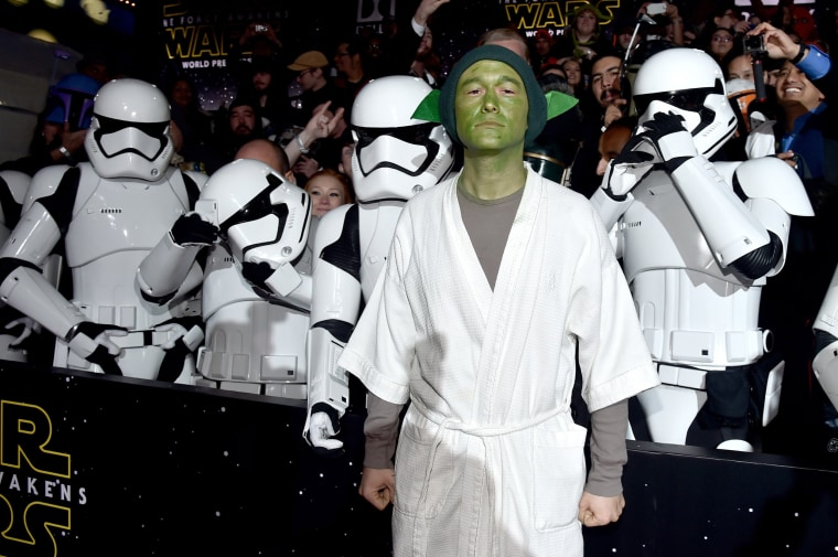 """Image: Premiere Of \""""Star Wars: The Force Awakens\"""" - Red Carpet"""