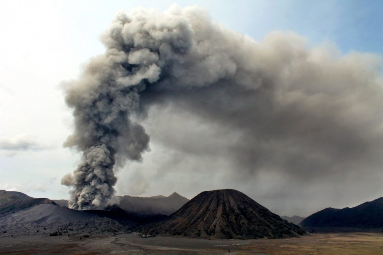 Image: Eruption of Mount Bromo in Probolinggo