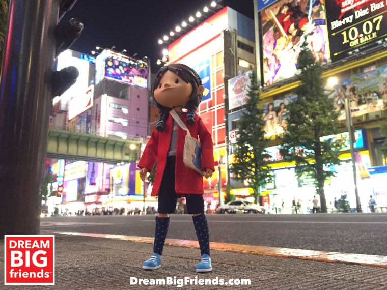 Yuna in the city