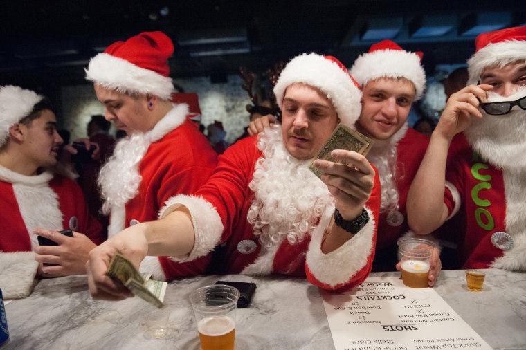 Image: Annual SantaCon Pub Crawl Held In New York City