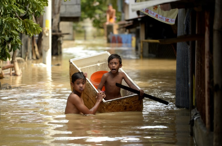 Image: TOPSHOT-PHILIPPINES-STORM-WEATHER