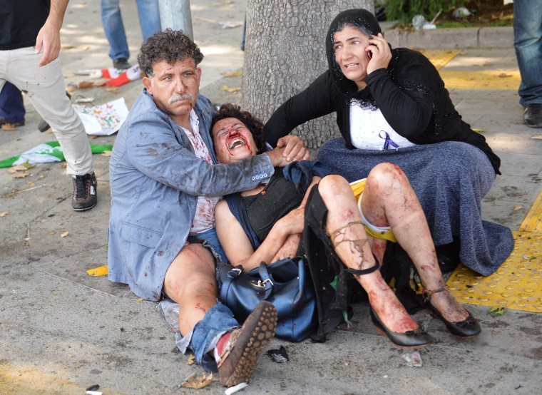 Image: Twin blasts kill at least 30 in Turkish capital ahead of peace rally