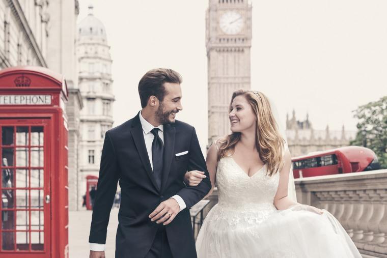 Plus-size bridal ad
