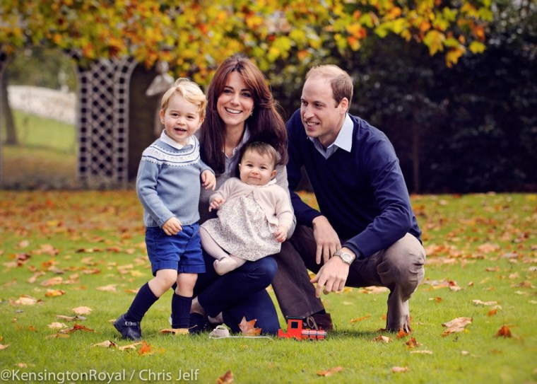 Kate, Will, Charlotte and George smile for holiday photo