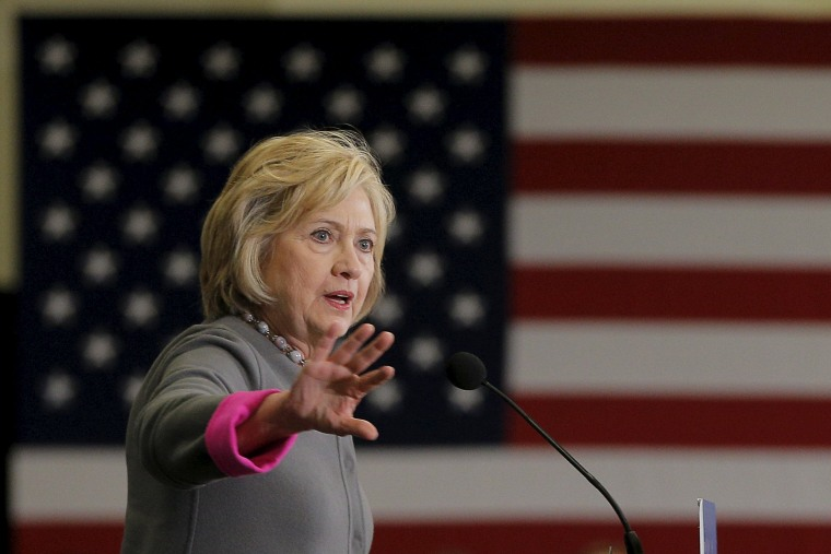 Image: U.S. Democratic presidential candidate Hillary Clinton speaks about the mass shooting in San Bernadino, California at a campaign stop at Southern New Hampshire University in Hooksett,