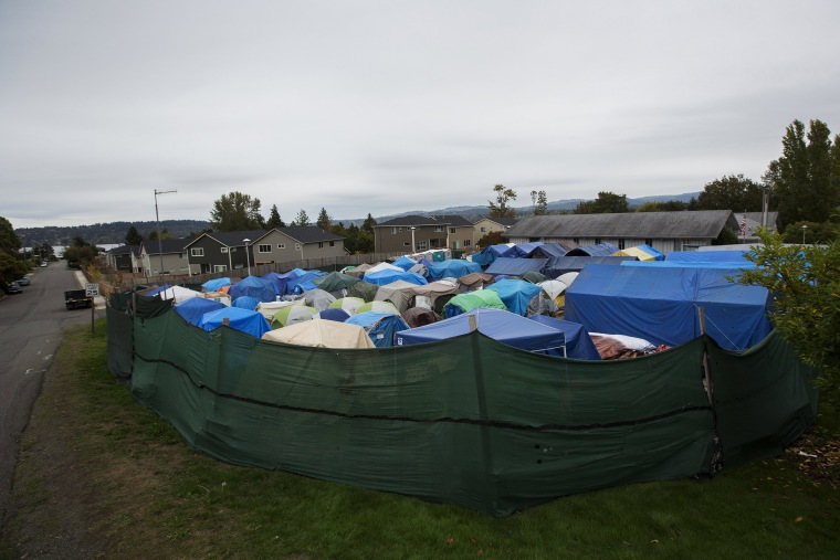 Image: The Wider Image: Homeless in America's tent cities