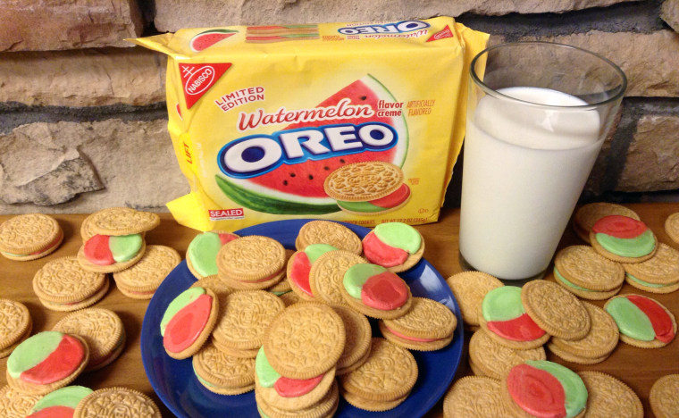 Image: Watermelon flavored Oreo cookies