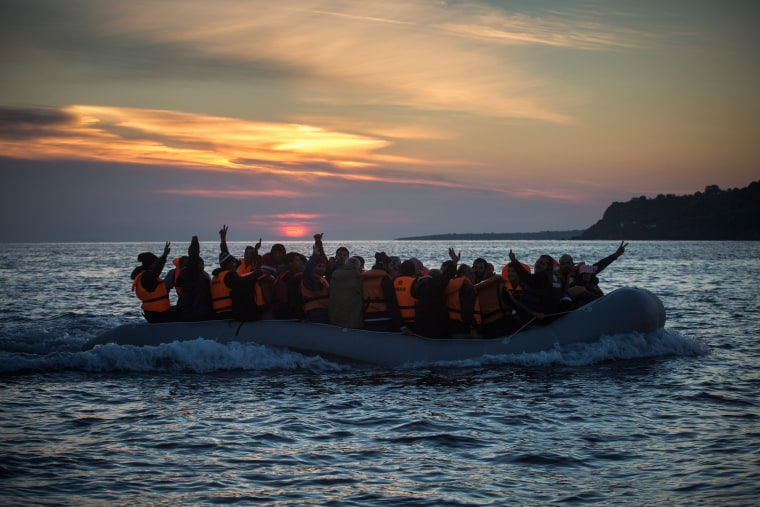 Image: migrants on boat