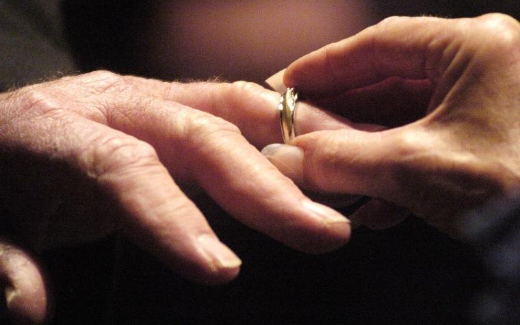 Image: divorce remarry