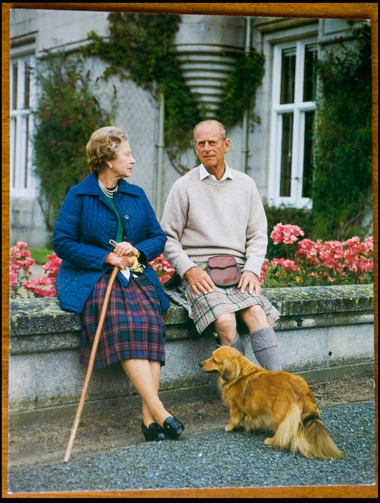 BNPS.co.uk (01202 558833) Pic: Phil Yeomans/BNPS  Xmas card sent by the Queen and Prince Philip in 1990.  A Royal Xmas cards sent to a member of staff and hand signed by the Queen and Prince Philip is being auctioned by Dukes of Dorchester.