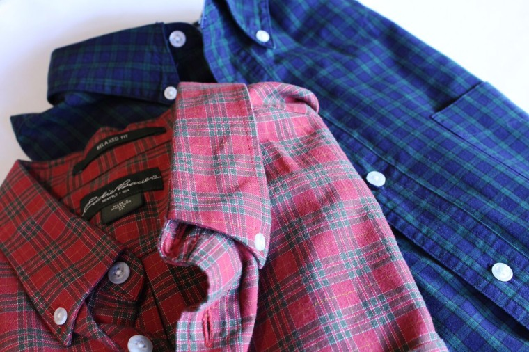 Plaid and tartan are the 'it' pattern of the season and thankfully this classic print is already in your closet. Put it to good use with a wrapping hack that's equal parts masculine and sweet.