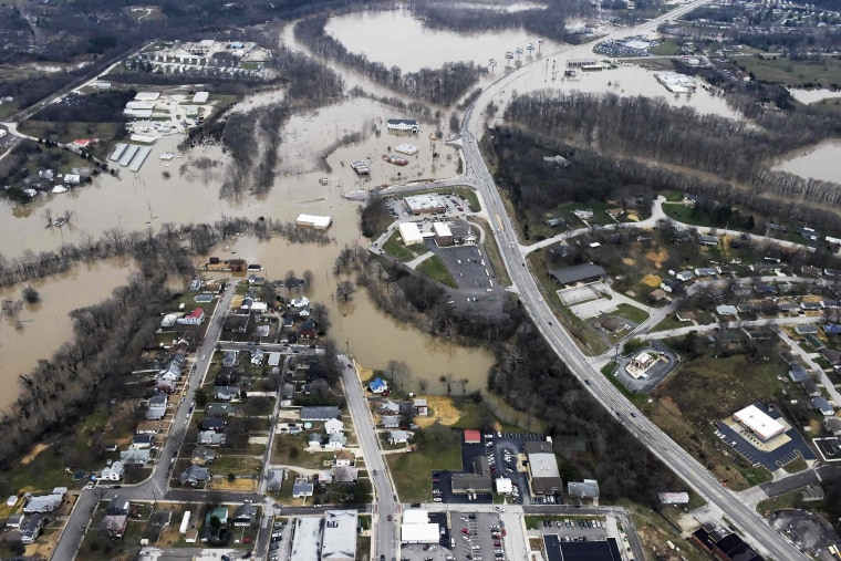Image: Submerged roads and houses are seen after several days of heavy rain led to flooding, in an aerial view over Union, Missouri