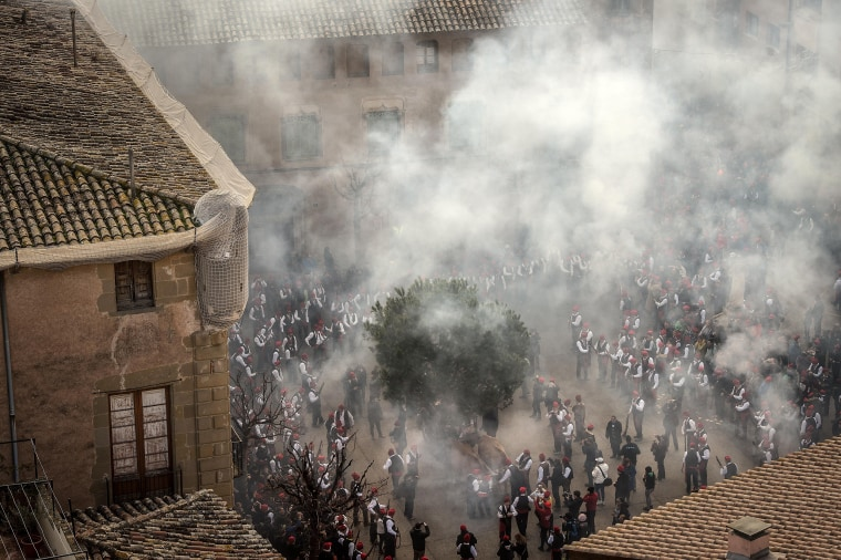 Image: Centelles Celebrates Its Pine Festival