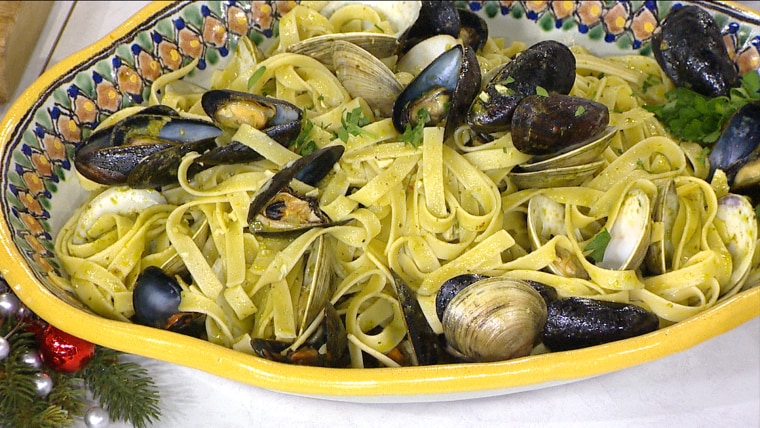 Easy Linguine with Clams and Mussels