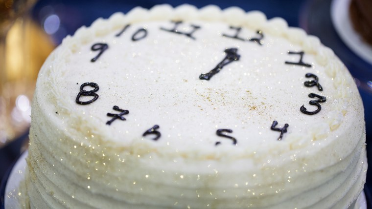 Throw a stylish New Year's Eve party with these easy last-minute ideas. Clock Cake.