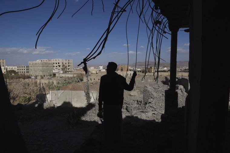Image: Saudi-led airstrikes on Sana'a