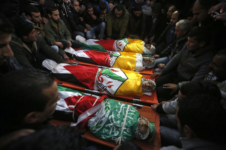 Image: Funeral of killed Palestinians