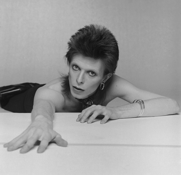 Image: Bowie strikes a pose