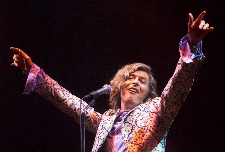 Image: Bowie headlines the Glastonbury Festival 2000 on June 25, 2000.
