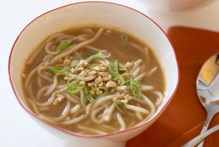 Vegetable lo mein soup