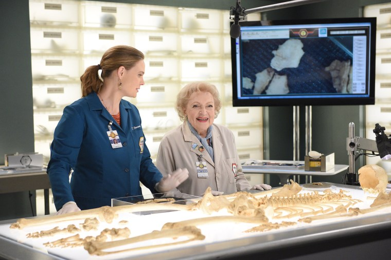 """BONES:  L-R:  Emily Deschanel and guest star Betty White in the \""""The Carpals in the Coy-Wolves\"""" episode of BONES airing Thursday, Oct. 22 (8:00-9:00 PM ET/PT) on FOX. (Photo by FOX via Getty Images)"""