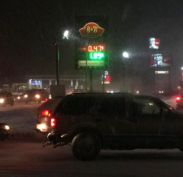 The price of gas at stations in Houghton Lake dropped well below $1 per gallon on Sunday. The Beacon Bridge Market in Houghton Lake was selling regular unleaded was selling regular unleaded at a mere $.47 per gallon Sunday evening,