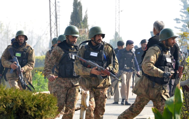 Image: Pakistani army soldiers take part in search operations at the Bacha Khan University