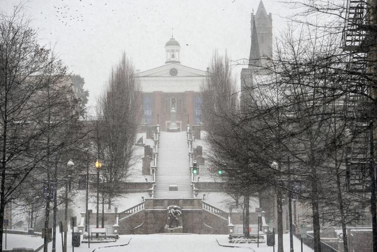 Image: Snow falls at Monument Terrace in Lynchburg, Va.