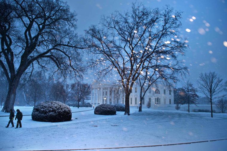 Image: TOPSHOT-US-WEATHER-SNOW
