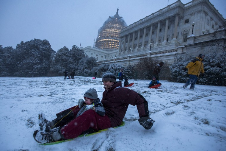 Image: Blizzard hits Washington, DC
