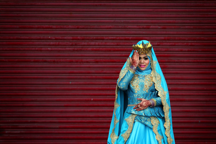 Image: Indonesian dress