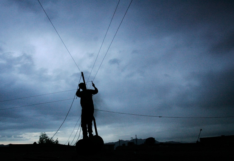 Image: Kabul power lines fixing