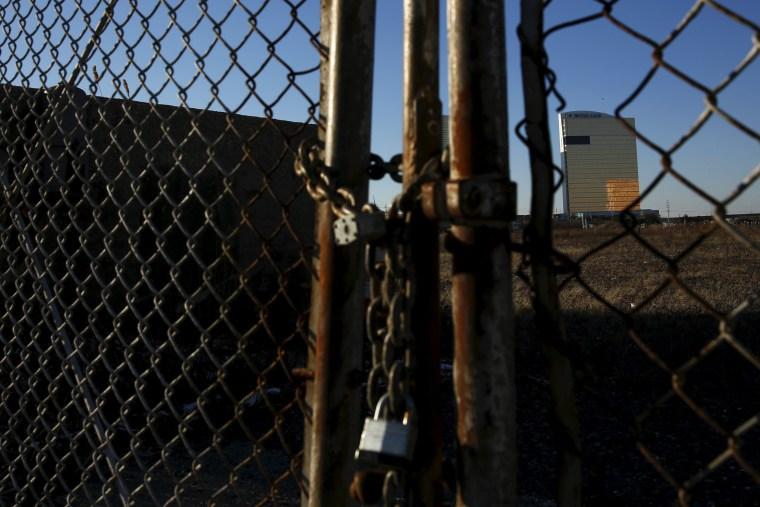 Image: Locked fence in Atlantic City