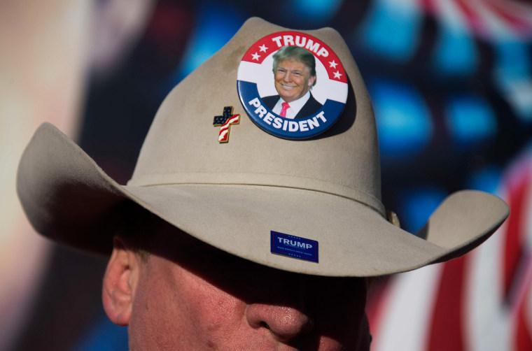 Image: TOPSHOT-US-VOTE-IOWA-CAUCUS-TRUMP