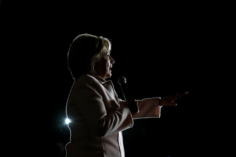 Image: Democratic Presidential Candidate Hillary Clinton Campaigns Throughout Iowa Ahead Of State's Caucus