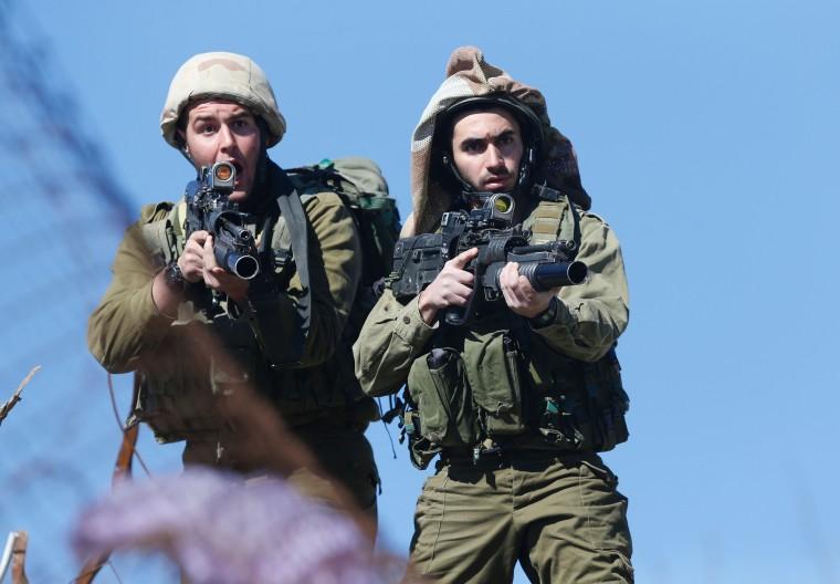 Image: Israeli soldiers