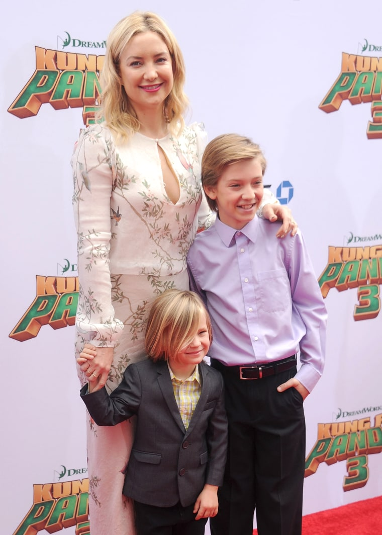 kate-hudson-and-kids-today-iinline-160125