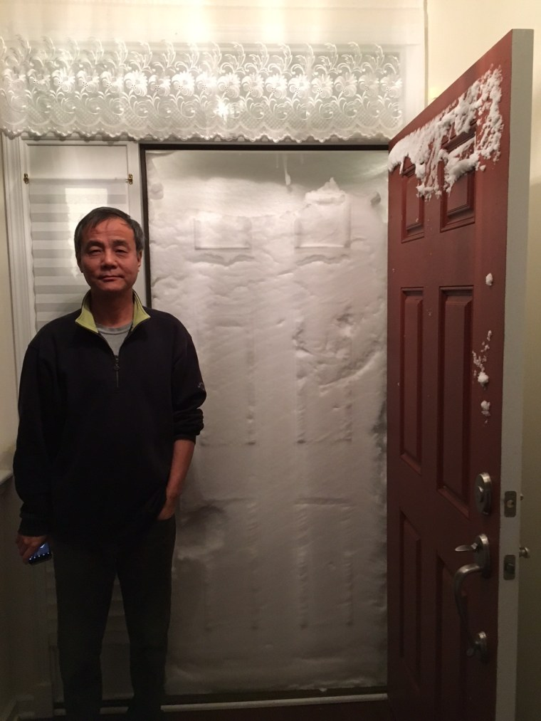 New Jersey couple's home gets snowed in after blizzard